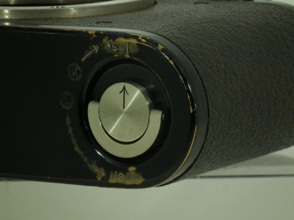 a21042105